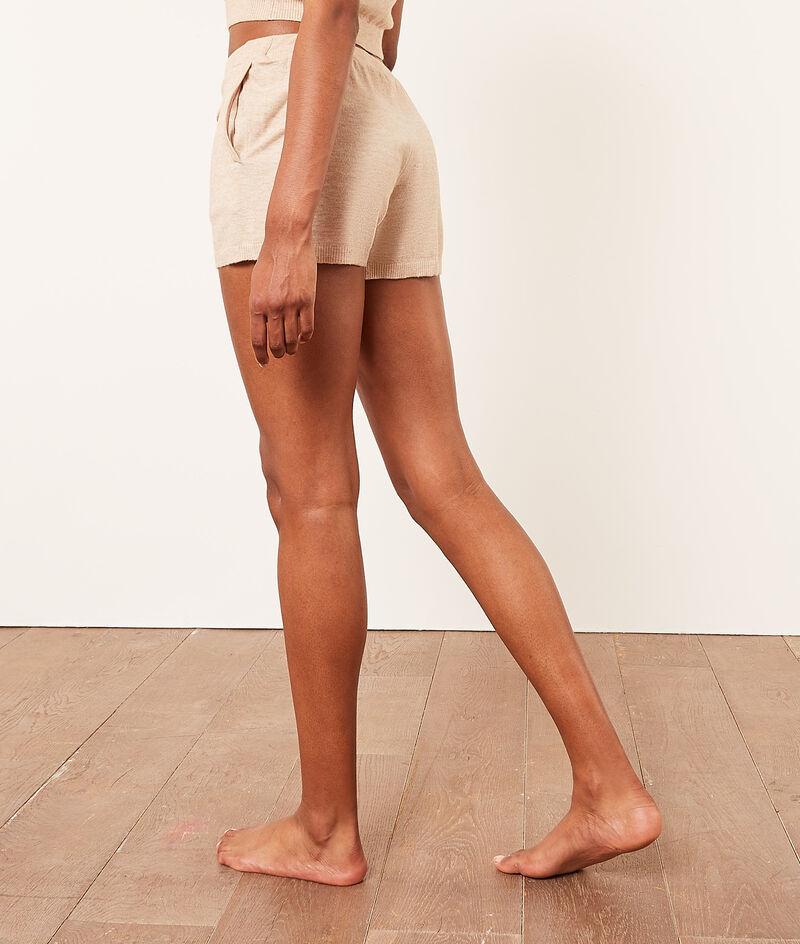 Shorts aus Strick;${refinementColor}