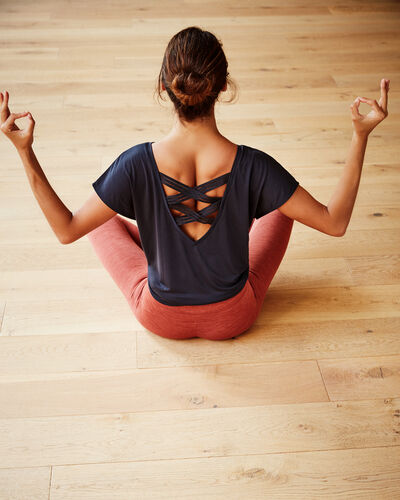 "T-shirt ""yoga therapy"" anthrazit."