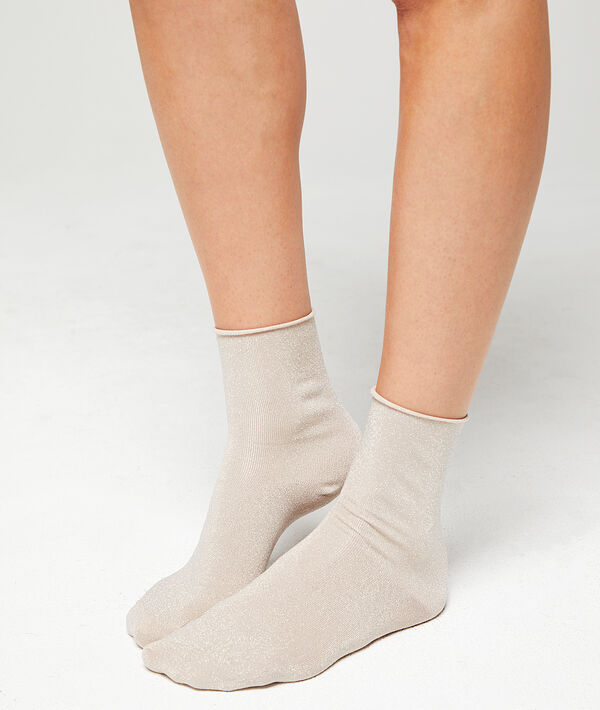 Kurze Socken mit Metallic-Fasern;${refinementColor}