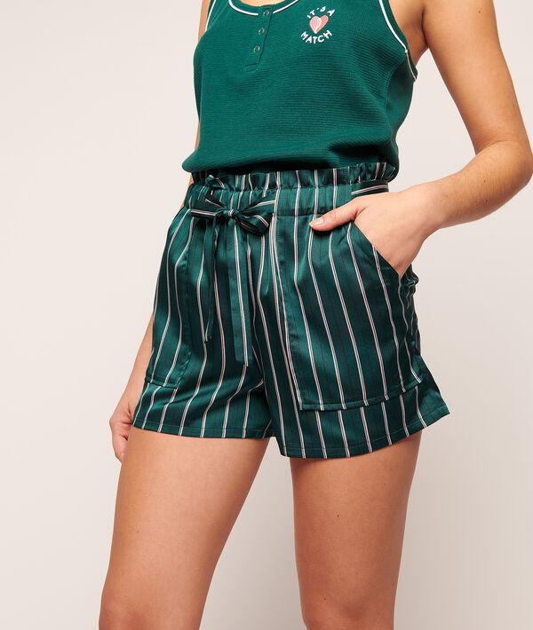 Seidig schimmernde gestreifte Shorts;${refinementColor}