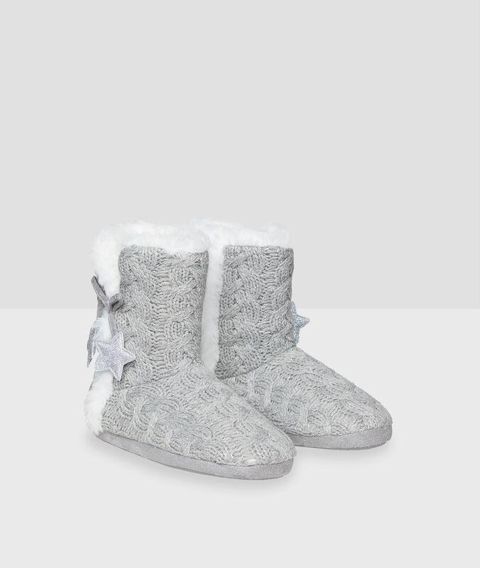 Chaussons bottines étoiles gris.