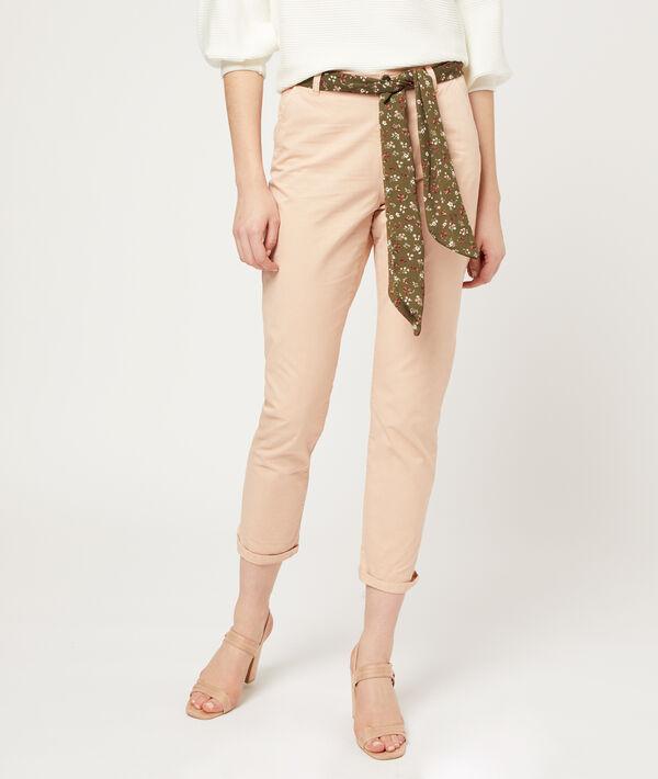 Schmale Hose mit Schal