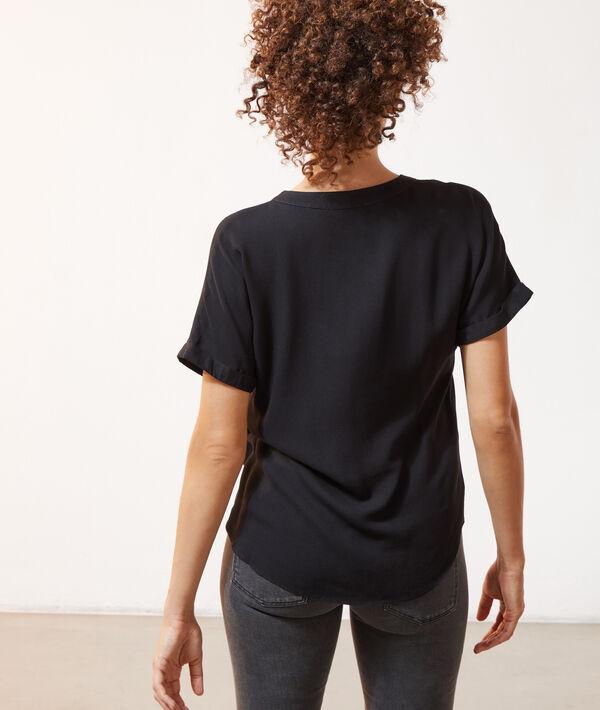 Bluse mit tunesischem Kragen