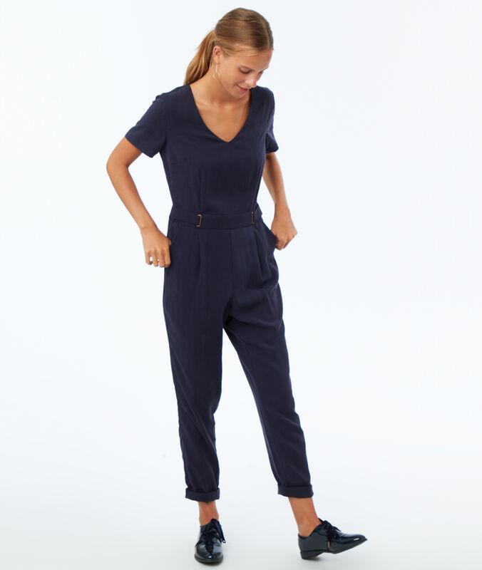 Einfarbiger jumpsuit aus tencel® marineblau.