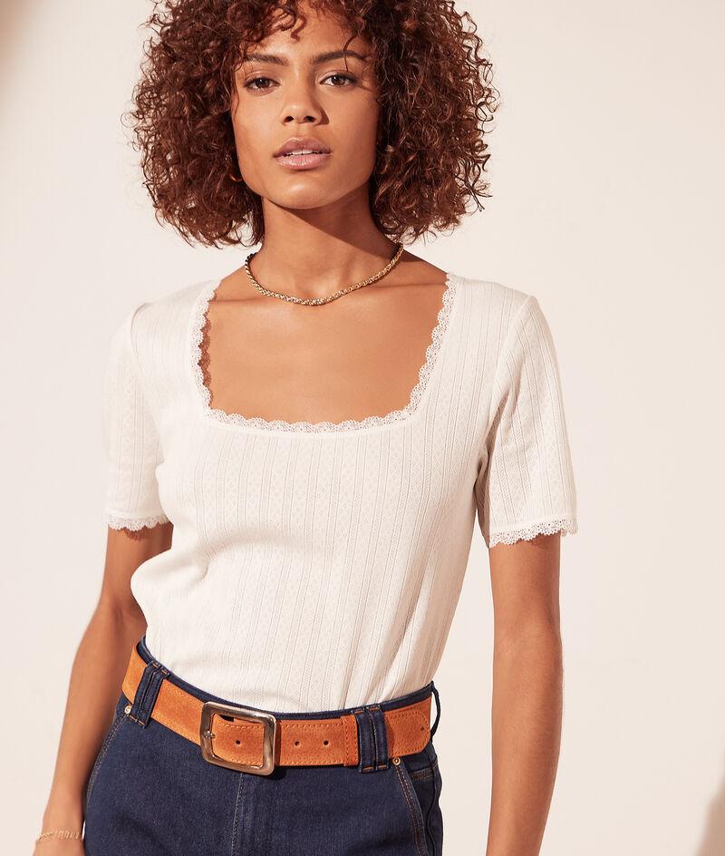 T-Shirt mit kleinem Muster, Details aus Spitze
