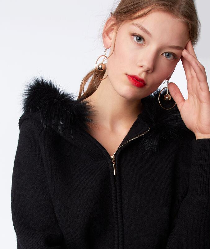 Jacke mit kapuze mit kunstpelz schwarz.