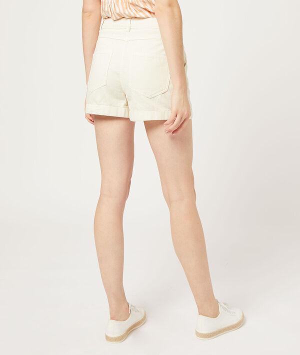 Shorts mit Abnähern