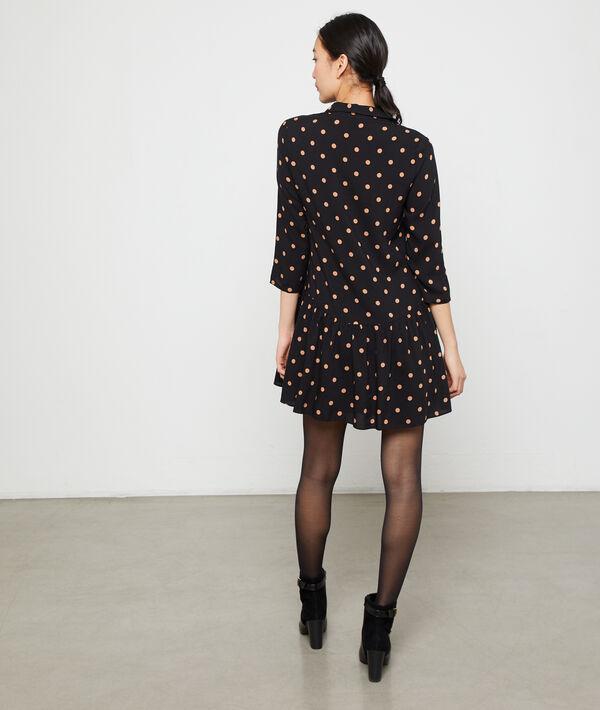 Ausgestelltes Kleid mit Punkten
