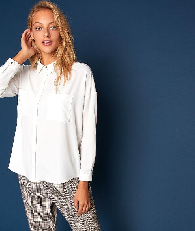 Bluse mit zwei taschen ecru.