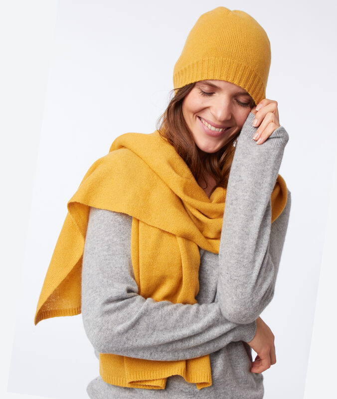 Bonnet 100% cachemire jaune miel.
